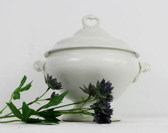 White ironstone tureen - Lidded French tureen, large serving bowl, pottery soup tureen, rustic soupiere, french table decor, E508