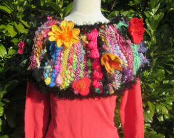 Heating shoulder, weaving crazy, black and multicolored Poncho