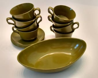 Vintage Melamine dishes / Various Pieces / Avocado Green / Cups / Plates / Serving Bowl / Dish Set
