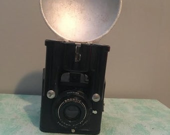 Brownie Flash Six-20 Camera VINTAGE!