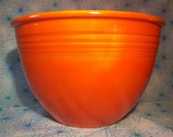 ORIGINAL!!! Homer Laughlin Company No7 Mixing Bowl in Radioactive Red