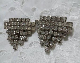 Sparkly vintage shoe clips white paste?