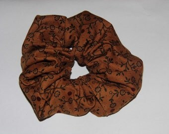 Hair ruffle / scrunchie brown with flowers