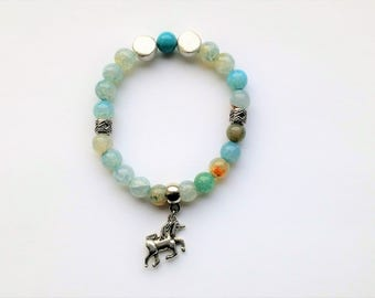 Agate bracelet with unicorn pendant, gemstone bracelet iris agate unicorn, gemstone jewelry bracelet with silver-plated beads, spring