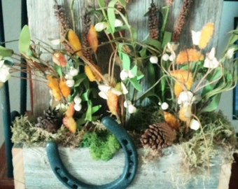 Reclaimed Wood Wall Decor with Dried Flowers and Horseshoe