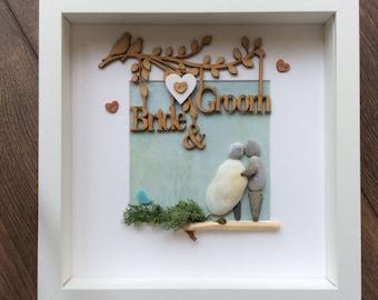 Pebble Art Couple, Wedding gift, gift for couple, Engagement gift, getting married gift, wedding gift frame, valentine gift, bride gift