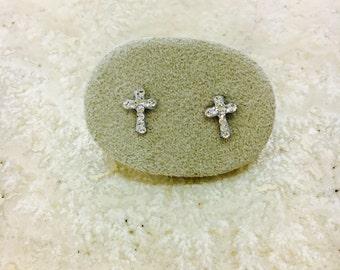 CROSS EARRINGS. 925 Silver earrings in the shape of a cross