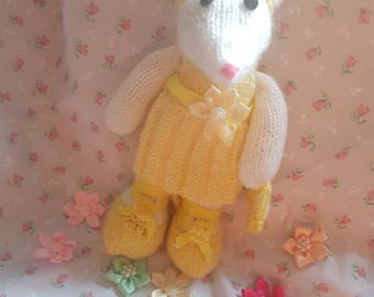Beautiful Knitted Mouse