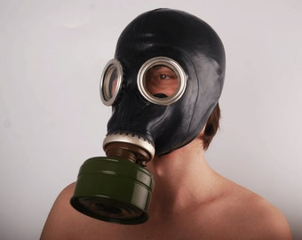 Gas mask GP-5 ... vintage Soviet gas mask