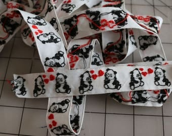 29  Vintage Trim Sweet Panda bears with hearts of love between them. .10 an inch or 3.60 per yard.