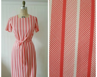 Vintage 1970s, 70s day dress, red, white, stripes, striped 70s day dress with belt ,  size medium