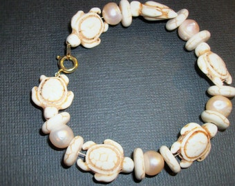 Turtle and pearl Bracelet
