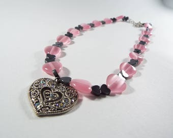 Pretty  Heart Necklace with  pink and  black hearts