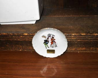 Souvenir of Madison Wisc Vintage 4 1/4 Inch Dish Cupid Love You Man Woman Free Shipping