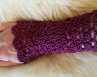 Wrist in cotton cuff, handmade crochet, in openwork points