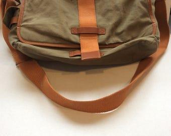 Messenger bag, shoulder bag, computer case, like new, ready to ship