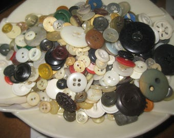 12.25 oz. mixed vintage buttons, plastic, metal, pearl,