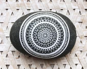 Mandala stones / boho / home decoration / mandala / handmade / hand-painted / crafts / mandala art / interior decoration