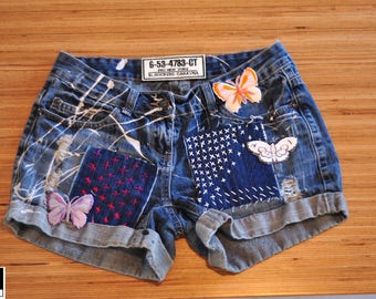 Levis Vintage High Waisted Cut off Jean Shorts embroibered hand made Patched Shorts,  Stars and Stripes, Shorts mom, rippered  distressed