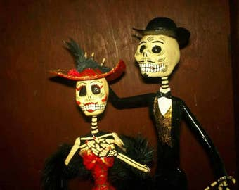 """Couple """"Catrin and Catrina"""" mexican traditional paper sculpture handcraft"""