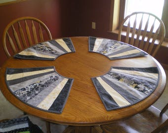 Round placemat set