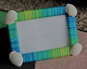 Lightweight photo frame, Yarn and seashells, gift for her, wedding gift, gift for him, home decor, handmade, coastal, seaside, beach photo