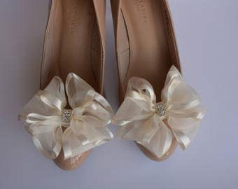 Wedding hand made shoe clips - XXL cream bows with crystals.