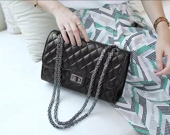 Inspiration leather shoulder bag