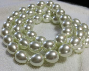 Waterdrop White Glass Pearls