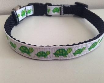 Green Turtles Cat Collar with Breakaway Buckle