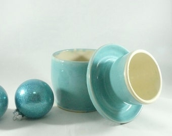 Large French Butter Crock in robin's egg blue pottery and ceramics,  kitchen gadget ceramic butter bell top - butter keeper dish