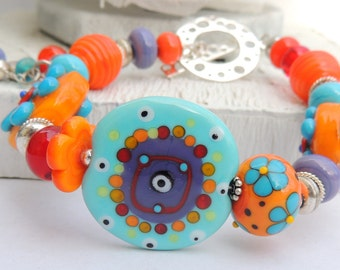 DILLY DILLY Handmade Lampwork Bead Bracelet