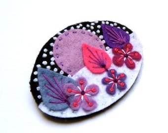 LET IT SNOW Chrsitmas felt brooch with freeform embroidery