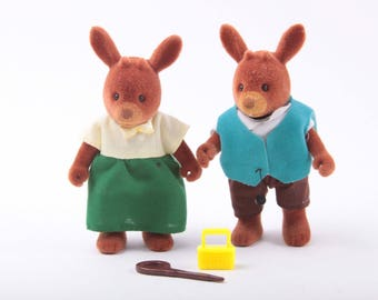 Maple Town David Deer and Miss Deer, Night Out, Accessories, Dressed, Collectible Figurines, Animals, Fuzzy ~ The Pink Room ~ 170304