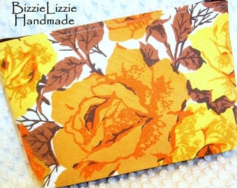 Kitsch Cottage Roses Vintage Linens Cosmetic Pouch, Ladies Cottage Chic MakeUp Bag