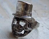 FREE SHIPPING Vintage Skull Smoking Top Hat Skeleton Ring Silver Metal - Size 10.5