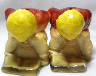 Vintage Chalk Ware Salt and Pepper Potty Shakers Children on Potty