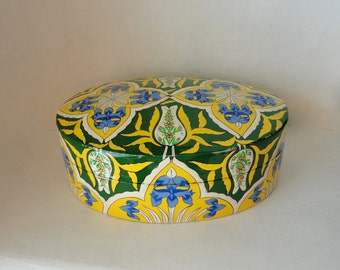 """Vintage 8 5/8"""" Oval Kashmir Paper Mache Lacquered Trinket Box Blue Iris Yellow Green Floral Hand Made Painted Large Treasure Valet Dresser"""