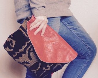 NEW/// Oxford Single with Flap in Cut Velvet and Red Leather//Clutch// Pouch