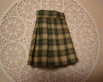 Blythe Green Plaid Pleated Skirt for Pullip and Vintage Skipper Too!