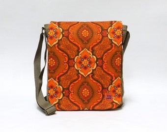 Saga - Canvas Messenger Bag , crossbody bag, shoulder bag, retro bag upcycled with original vintage fabric by EllaOsix
