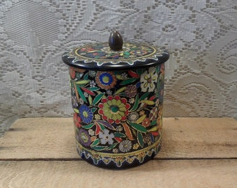 Tin By Daher embossed cookie tin flowers made in England