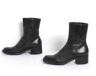 size 8.5 CHELSEA black leather 80s 90s minimal WESTERN zip up ankle boots made in BRAZIL