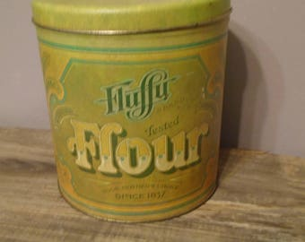 Fluffy Flour tin, vintage green and yellow canister, from Ballonoff in Cleveland, Ohion