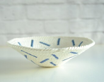 Ring dish in blue and white, a tactile and soft cotton bowl with a fun embroidery design / Gift for mom / trinket dish / Modern home decor