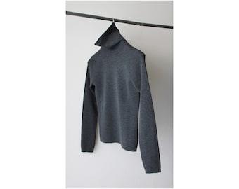 1990's Banana Republic Gray Minimal Turtleneck Sweater