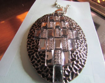 Big oval mirror pendent