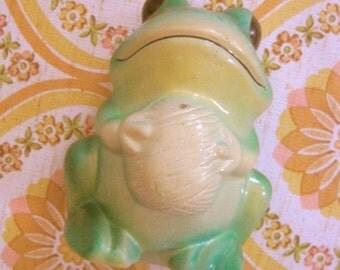 Vintage Frog String Holder