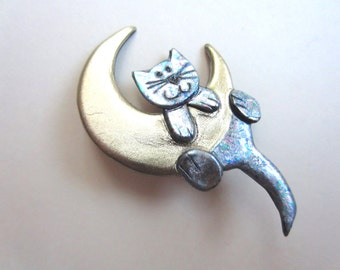 Cat on a moon pin brooch in silver and gold