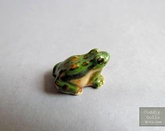 Green Brown Frog Ceramic Figurine Dollhouse Miniature,Frog Figurine Collector,Porcelain Figurine,Forg Porcelain figurine,Toad Animal,Decor